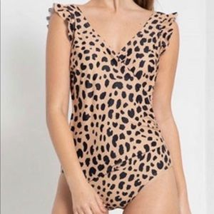 Women's Medium Leopard One-Piece Swimsuit
